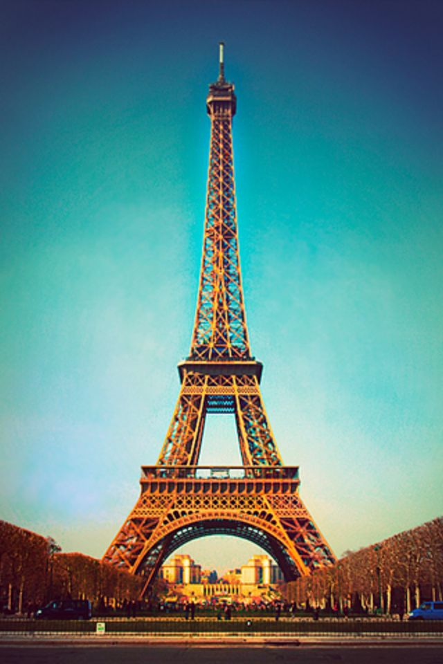 IPhone 4s Eiffel Tower Wallpaper