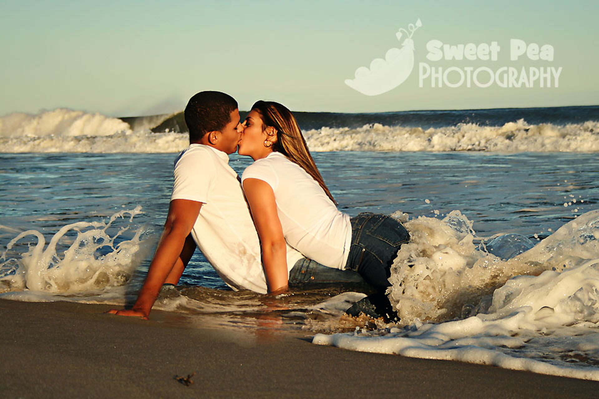 Tumblr couples kissing on the beach pictures