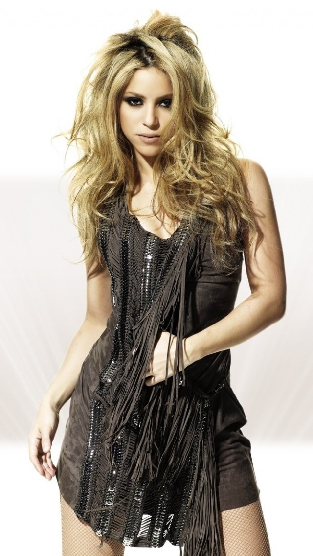 Hot Shakira Wallpaper