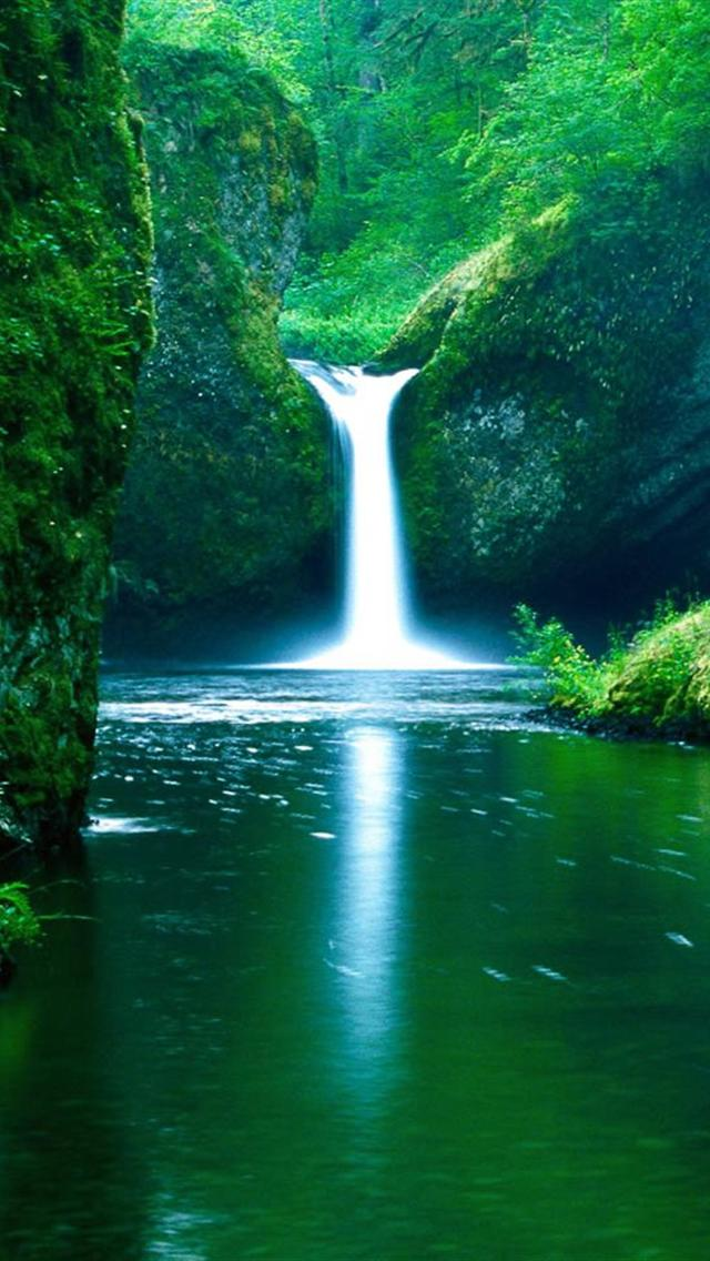 Beautiful Waterfall Wallpaper