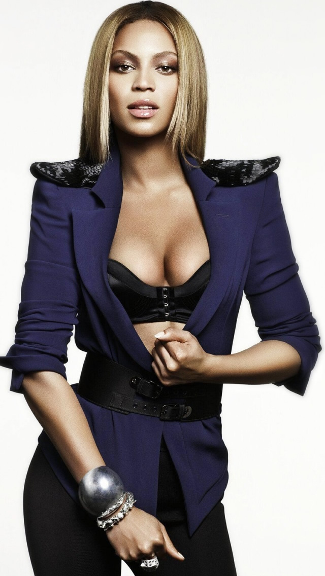 Beyonce in Blue Dress