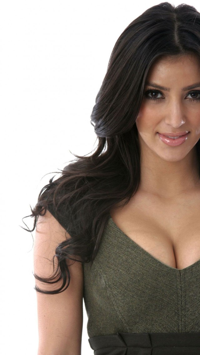 Kim Kardashian Hot Wallpaper