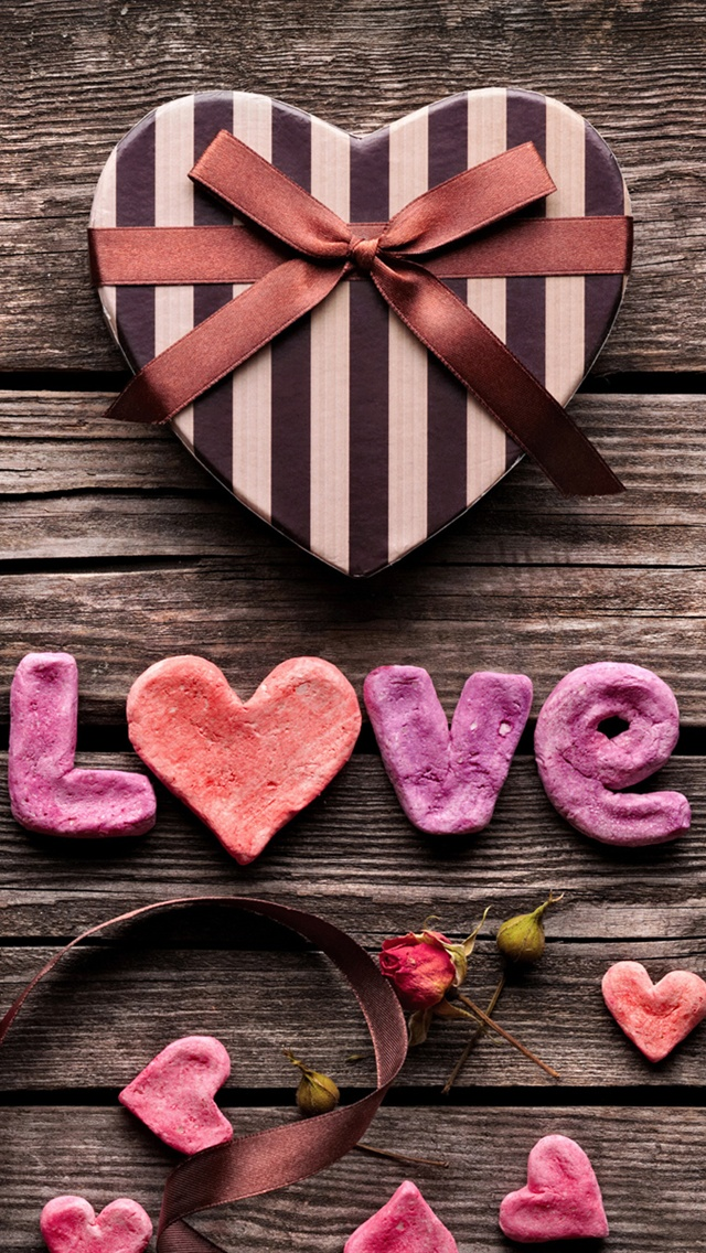 Love Gifts Wallpaper