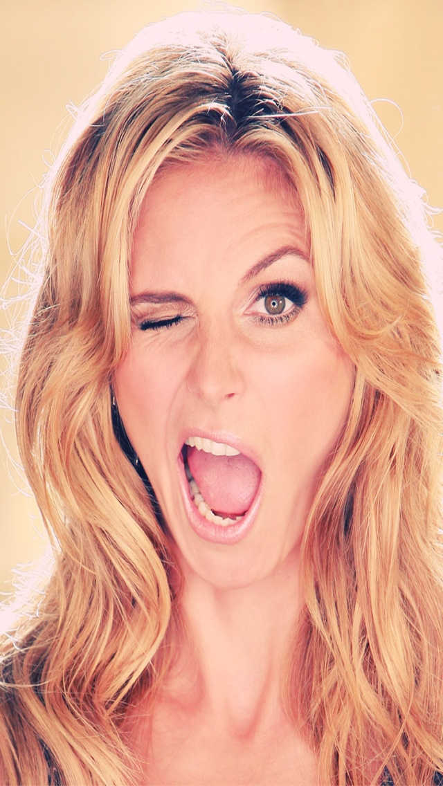 Funny Heidi Klum Wallpaper