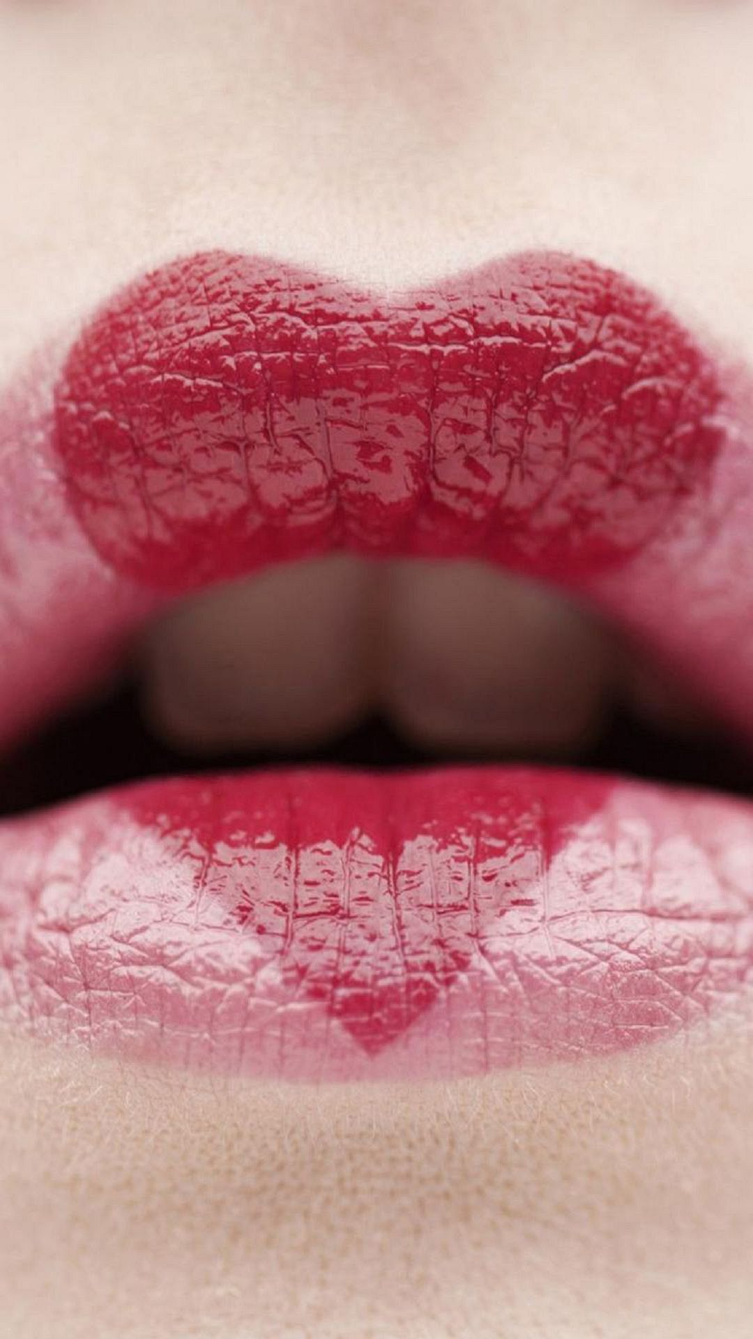 Hot Lips Love Wallpaper