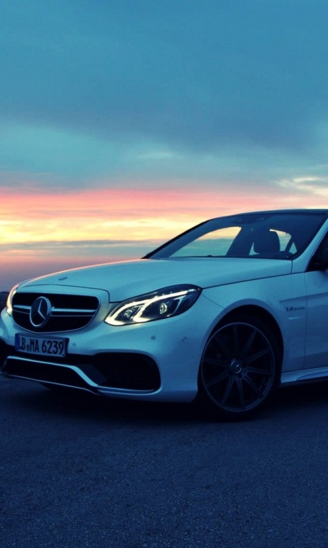 White Mercedes Benz Wallpaper