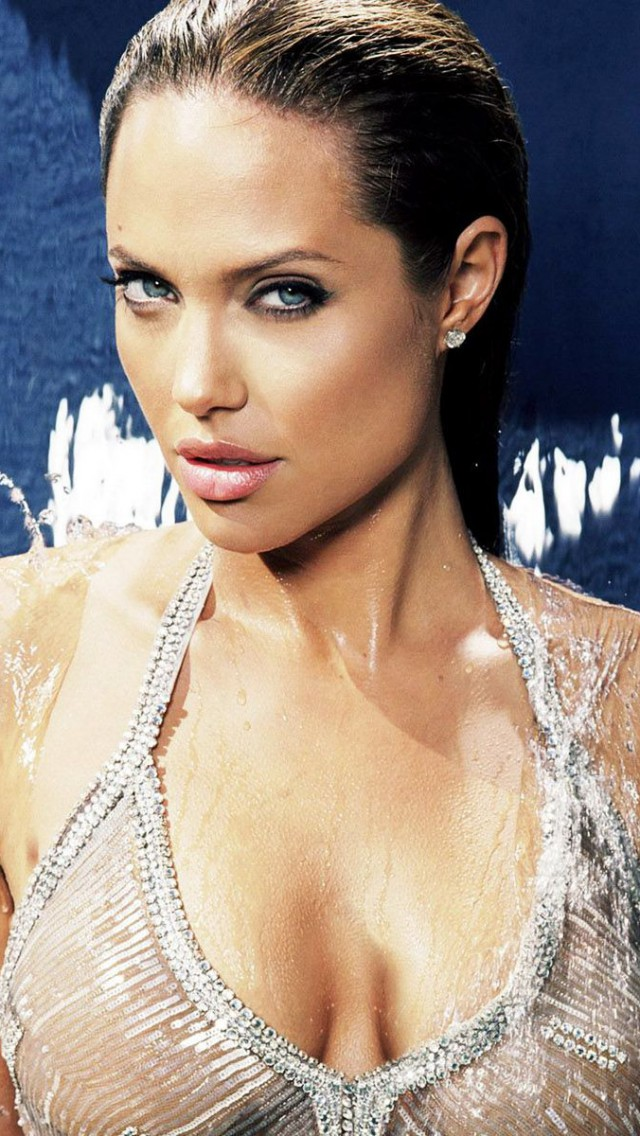 Hot Angelina Jolie Wallpaper