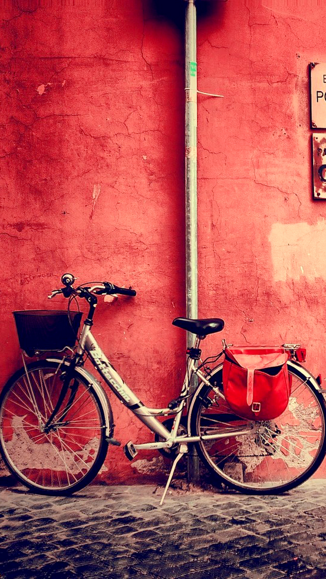 Old Bicycle Wallpaper