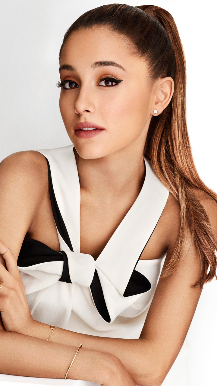 Cool Ariana Grande Picture
